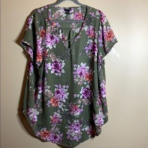 Torrid green floral blouse size 2